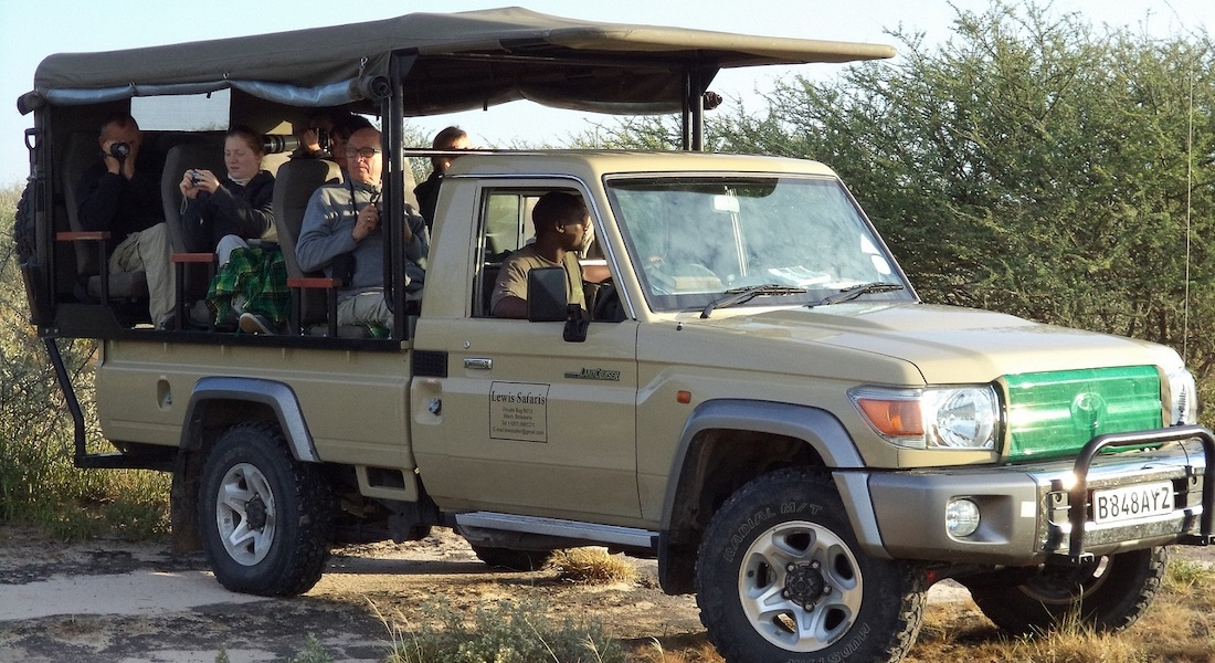 safari vehicle, okavango delta